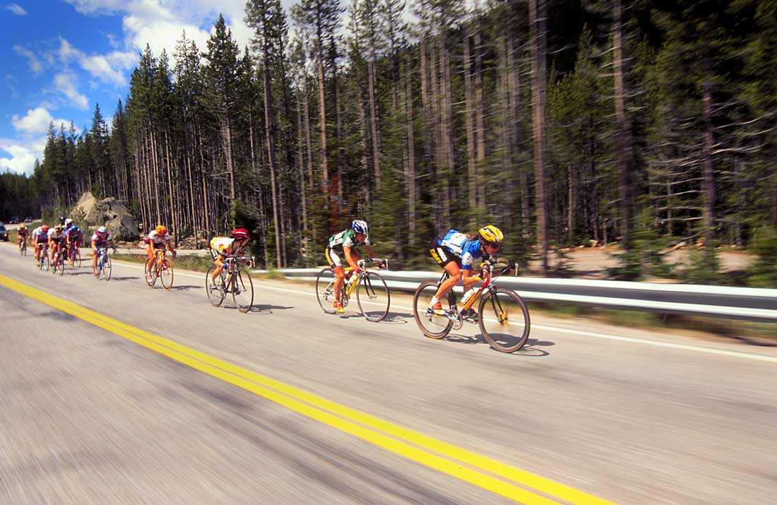 Canadian Lynda Jackson speeds down Banner Summit on the way to the finish in Stanley, Idaho during the 1998 Women's Challenge.